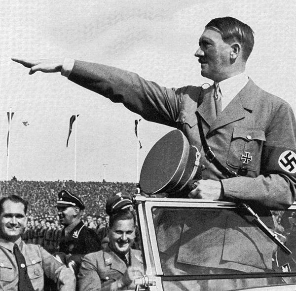 유대인을 학살했던 독재자 히틀러는 바그너 음악을 광적으로 좋아했어요.