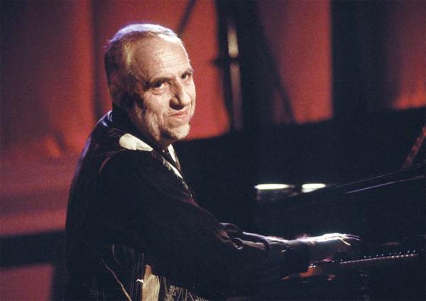 랑스 음악가 자크 루시에는 바흐의 평균율 모음곡, 브란덴부르크 협주곡 등을 재즈풍으로 편곡·연주해 인기를 얻었어요.